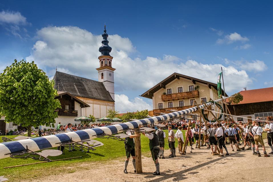 Waging am See  - Tradition- Maibaum